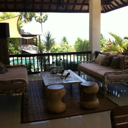 Villa Flow: Lounge area