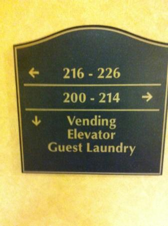Holiday Inn Express Hotel & Suites Dyersburg: where is room 215?