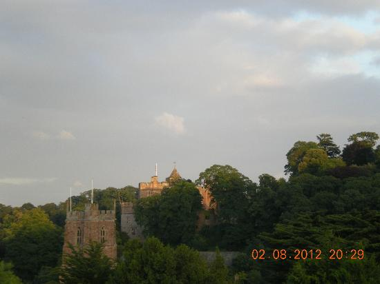 Buttercross Bed & Breakfast : Dunster castle