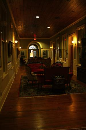 Hallway Upstairs in Ant Street Inn