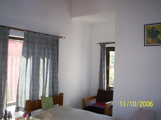 Tushita Rest House: rooms-basic but very neat & clean & adequate