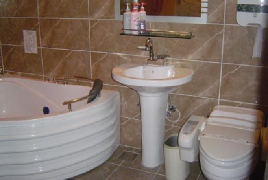 Mythos Motel: 욕실