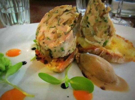 Caffiend: Free range chicken and wild mushroom roulade