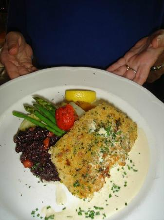 Il Giardino di Umberto: Horseradish crumb crusted halibut