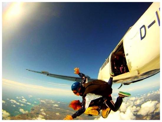 Skydive Algarve: free falling 15000ft over the Algarve