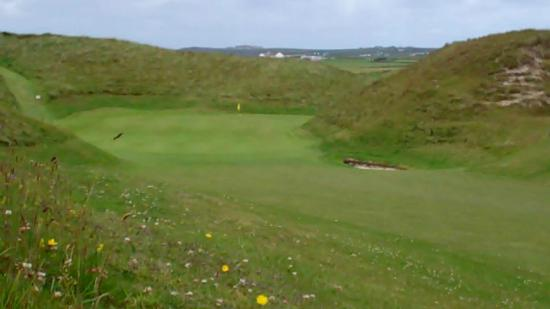 Carne Golf Links: dont be long. or wide. or in the bunker.