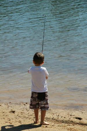Maroochy River Resort & Bungalows: Fishing for all ages