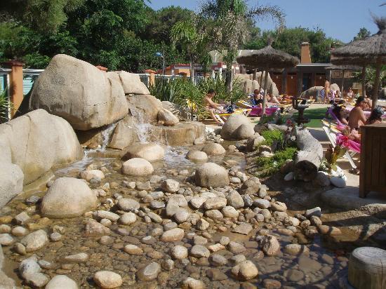 Yelloh! Village Le Brasilia: entrée piscine