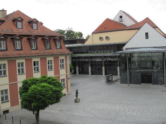Ibis Bamberg Altstadt: Blick aus dem Hotelfenster: Theater