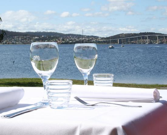 Boat House Restaurant Cornelian Bay : Superb location