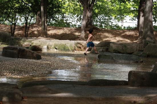 猿江恩賜公園, ジャブジャブ池