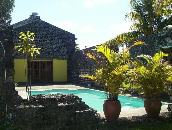 Le Cafe des Arts: swimming pool