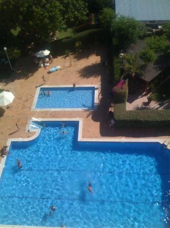 Hotel Pato Amarillo: PISCINA