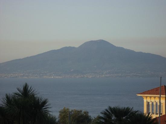Grand Hotel Vesuvio : View from Terrace