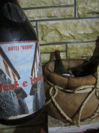 Hotel Nasho Vruho: Home made wine