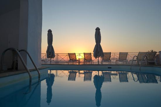 Athina Luxury Suites: Sunset on terrace