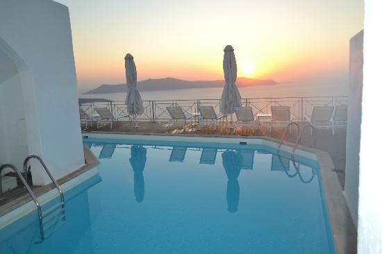 Athina Luxury Suites: Terrace