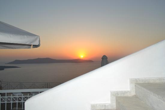 Athina Luxury Suites: Sunset on terrace