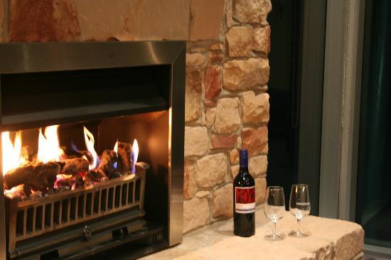 Aspect Villas: Romantic fire flickering