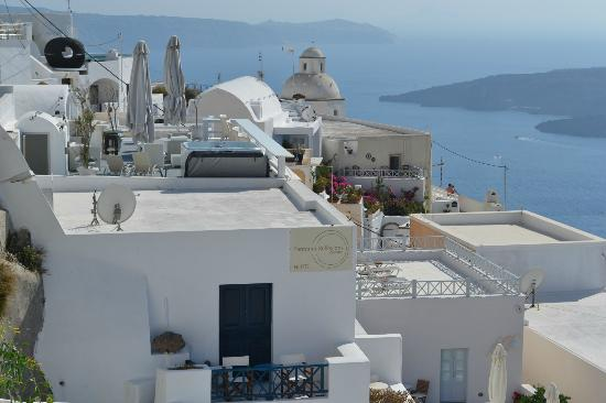 Athina Luxury Suites : view from above