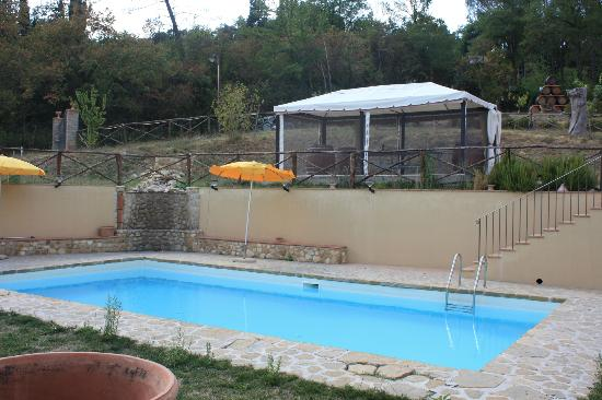 Hotel di sor Paolo: Pool and table tennis area above