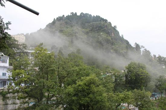 OYO 1688 Hotel Emerald Heights: clouds n clouds