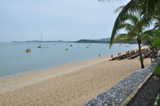 Anantara Bophut Koh Samui Resort: Beach front from unit