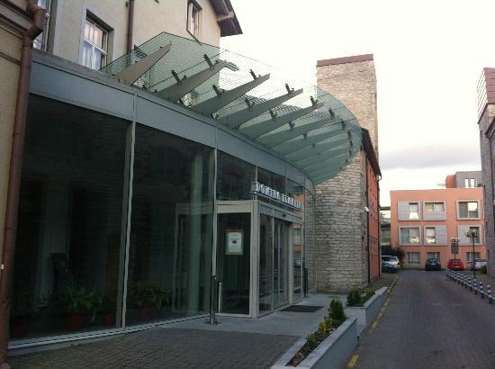 PK Ilmarine Hotel: Ingresso esterno