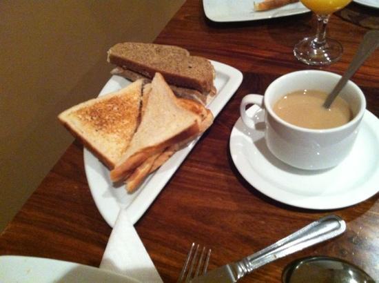 Lake Lodge Guesthouse: desayuno