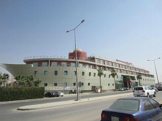 Mercure Value Riyadh : ホテル外観