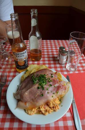 Chez Gladines Charonne: Piperade !!!