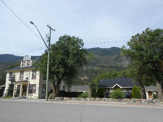 Totem Motel