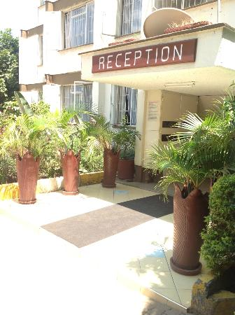 Gracehouse Resort: outside