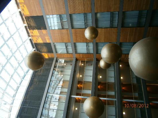 Clarion Hotel Cork: The Atrium and the large hanging decor