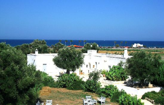 Masseria Cimino: Vue de la terrasse sur la mer