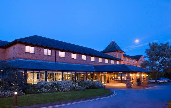 DoubleTree by Hilton Hotel Sheffield Park : Hotel Exterior Shot