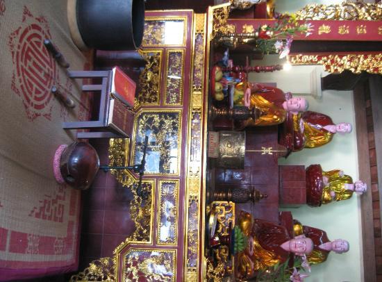 Chua Tran Quoc : Pagode Tran Quoc autel