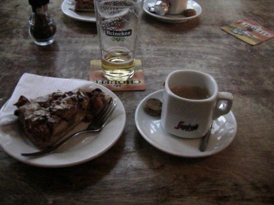 Cafe De Blaffende Vis : Dutch Apple Pie