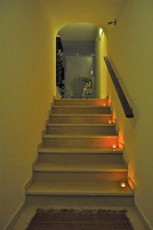 Casa do Platano: Stairs at night