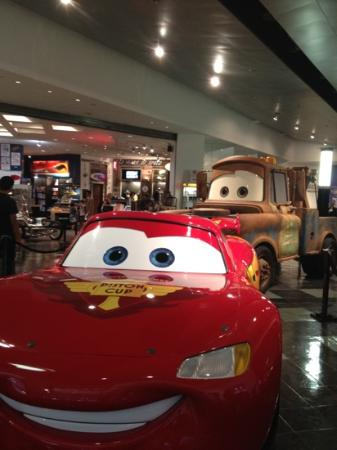 Petersen Automotive Museum : Lightning McQueen & his buddy, Mater at museum entrance