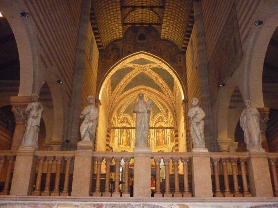 Basilica di San Zeno Maggiore: Interior de San Zeno