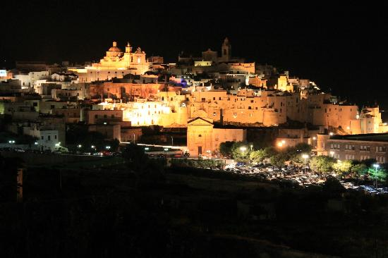NaturalMente Ostuni: Ostuni by night