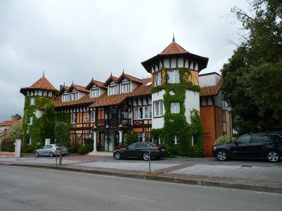 Hotel Torres de Somo: Fachada
