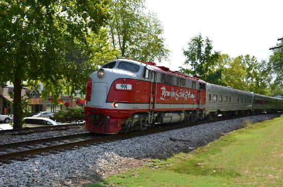 The Old English Inn: Branson Scenic Railroad