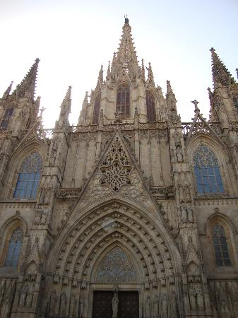 Barcelona Walking Tours Gotic: Cathedral from the front