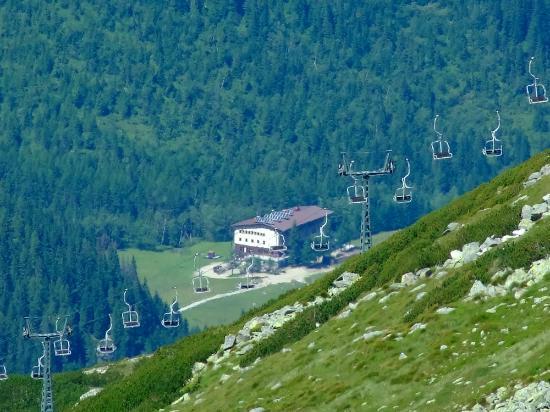 Hotel Gorski Kalatowki: widok ze szlaku z kasprowego wierchu