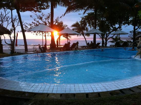 بوري دايوما كوتيجيز بيتش إيكو ريزورت: pool area 