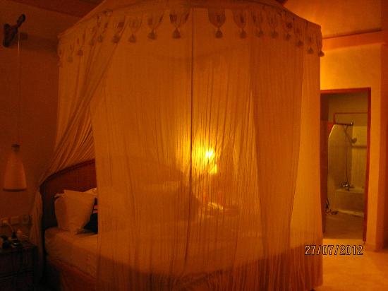 Puri Dajuma Cottages: our bed