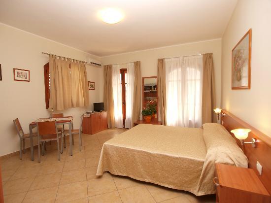 ApartHotel Kalaskisò: camera mono 40 mq.