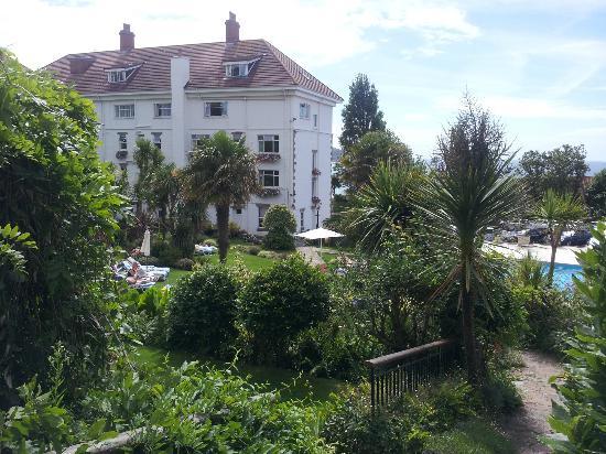 St. Brelades Bay Hotel: Gardens & Rear of Hotel